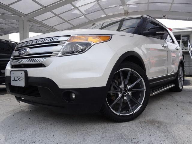 フォード エクスプローラー XLT エコブースト 2013年モデル  白